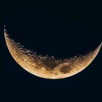 moon-waning-sky-space