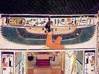 tomb of nephertiti-001
